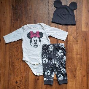 SALE Disney • 3M Minnie Mouse Set & Ears